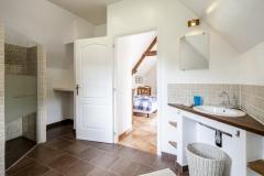 Kamer 1 vanuit badkamer